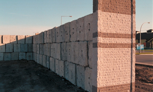Mortarless brick wall